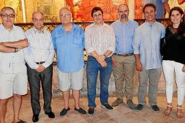 Joan Bennàssar expone su obra en el teatro Defensora de Sóller