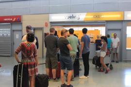 Baleares multa con 340.000 euros a Vueling por retrasos y anulaciones en 2016