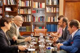 Romeva: «Las amenazas y las querellas empeorarán» la situación de Cataluña