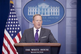 Dimite el portavoz de la Casa Blanca, Sean Spicer