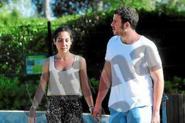 Alessandro Lequio Jr. y su novia, en el safari cercano a Sa Coma