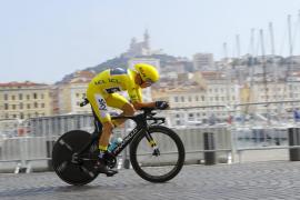Froome marca el tiempo de su cuarto Tour, la crono para Bodnar