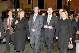Rajoy congrega a los hoteleros y a la sociedad civil en el Gran Hotel de Palma