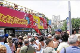 La venta de excursiones en las Islas cae un 50 % en seis años