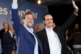 Rajoy elogia a Bauzá por su trabajo en el PP y dice que Balears necesita un Govern sensato