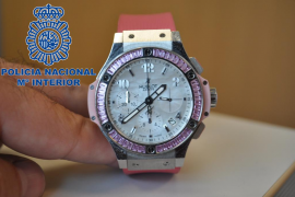 La Policía Nacional detiene a dos italianos por el robo de relojes de alta gama en Ibiza