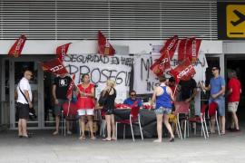 Cuarta jornada de huelga de seguridad en el aeropuerto de Ibiza