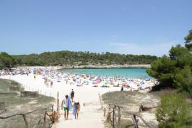 El talco, remedio perfecto para quitar la arena del cuerpo tras un día de playa