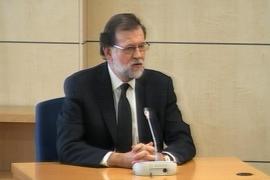 Rajoy reafirma que nunca cobró sobresueldos y que los papeles de Bárcenas son falsos