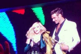 Jon Kortajarena 'derrite' Saint Tropez bailando con Madonna