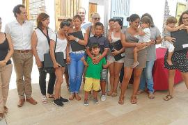 El Govern entrega las llaves de las 14 viviendas de protección en Formentera
