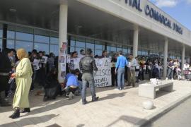 Unas 70 personas se manifiestan contra el hospital de Inca tras la muerte de un joven