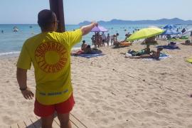 Investigan la muerte de una mujer hallada flotando en aguas de Can Picafort