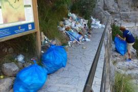 Rifirrafe entre el alcalde y dos voluntarios ambientales por la basura de sa Calobra