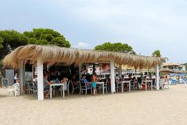 Cócteles, música y diversión en La Roca Beach Club