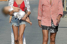 Diego Pablo Simeone, escapada fugaz junto a Carla Pereyra y su hija Francesca