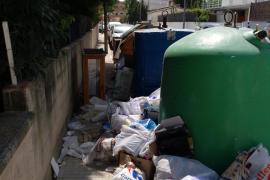 Los vecinos denuncian la existencia de montañas de basura en Cala Major