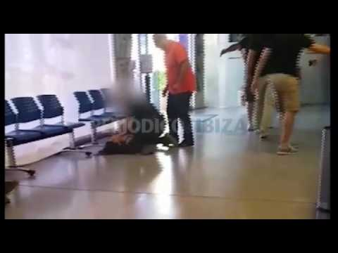 Una turista protagoniza un episodio de tensión máxima en el Ayuntamiento de Sant Antoni