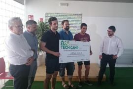 Un proyecto para el tratamiento de fobias con realidad virtual gana el premio especial del Emprenbit Tech Camp
