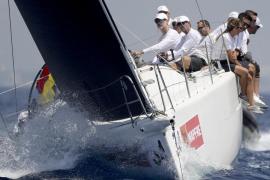 El 'Aifos' del Rey Felipe VI consolida su liderato en la Copa