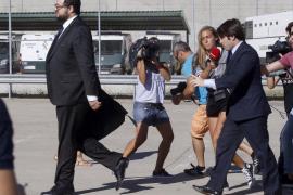 Villar y su hijo salen de la prisión de Soto del Real