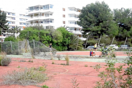 Delgado pone hoy la primera piedra de una zona deportiva que anunció en 2007