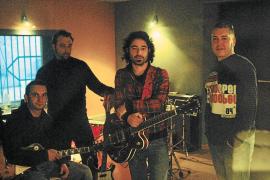 La banda de rock Urtain se encierra en Terrassa para grabar su segundo disco