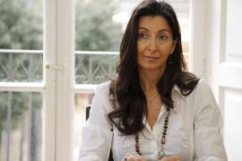 La alcaldesa no destituye a Borràs como regidora de Turismo, «de momento»