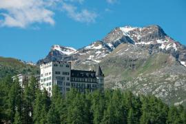 Un chino paga casi 8.800 euros en un hotel suizo por un vaso de whisky de 1878