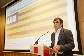 Antich se lanza a la búsqueda de votos apelando «al país» y sin citar para nada a Zapatero
