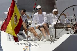 El 'Aifos' sigue imparable y dura pugna entre 'Alegre' y 'Team Visión' en la Copa del Rey de Vela