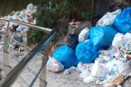 Medi Ambient da 24 horas al Ajuntament para retirar la basura del torrente de Pareis