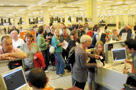 Indignación en Balears por el anuncio de 22 días de huelga en los aeropuertos