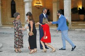 La Familia Real recibe a la sociedad balear en la Almudaina