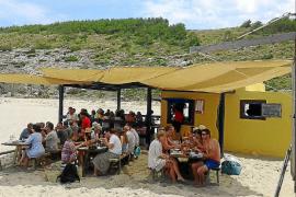 Artà apuesta por regular una zona de ocio y explotar los servicios de playa en Cala Torta