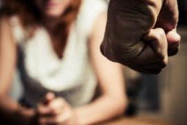 Nueve meses de cárcel a un hombre por agredir y apagar una colilla en el cuerpo de su pareja