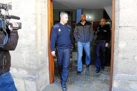Familiares de policías imputados denuncian al alcalde de Palma su dramática situación