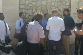 Rajoy, con problemas de lumbalgia, aún no está en Mallorca y se retrasa su encuentro con el Rey