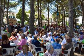 El Port de Pollença celebra una multitudinaria 'arrossada de peix'