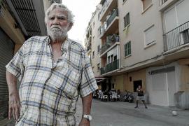 Vecinos de Son Gotleu denuncian que en la mitad de los pisos viven okupas