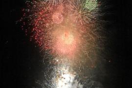 Explosión de color en el cielo de Ibiza