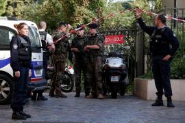 Al menos seis militares franceses heridos al ser atropellados en un control antiterrorista en París