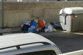 Ses Salines activa un protocolo contra la acumulación de residuos en las calles de la Colònia de Sant Jordi