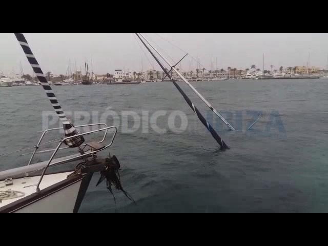 Un velero hundido obliga a suspender el tráfico de mercancías a Formentera