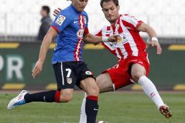 El «Kun» hace un partidazo, pero el Atlético no gana