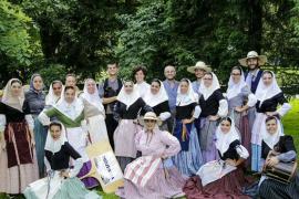 La 'Escola Calabruix' de ball de bot participa en un festival en Polonia