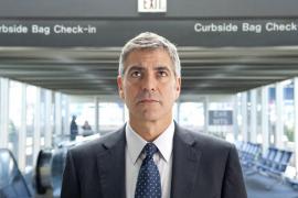 El atractivo George Clooney protagoniza el film.