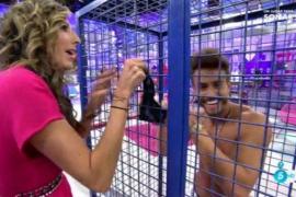 Paz Padilla se quita las bragas en 'Sálvame'
