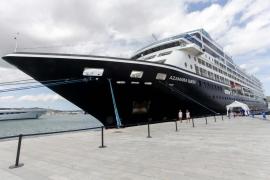 El barco del sexo recala en Ibiza
