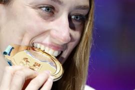 Mireia Belmonte, oro y récord del mundo en 400 estilos
